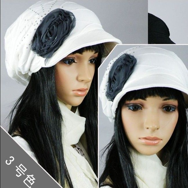 白色镶花时尚女帽